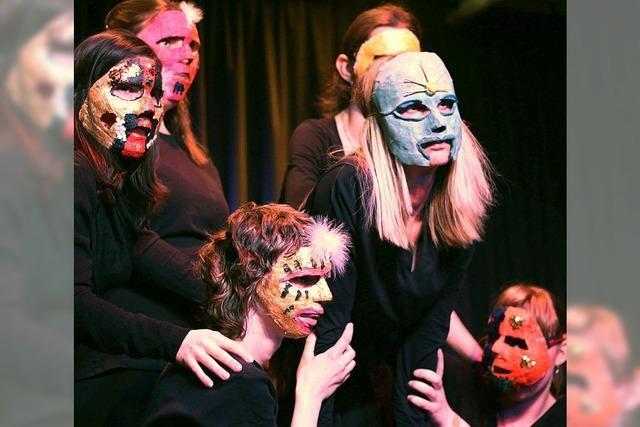 Ausdruckstanz mit kunstvollen Masken