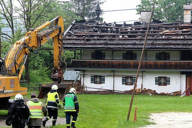 Sechs Menschen sterben bei Brand in Gasthaus