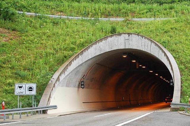 Polizei stoppt Radler im Autobahntunnel