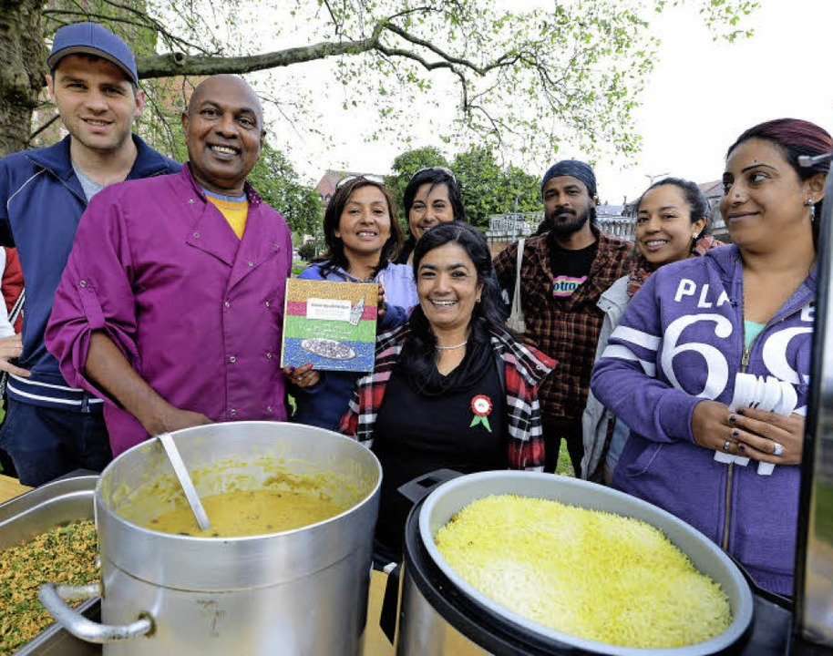 Anura Thirimanna  und Urmail Shrestha (2. und 3. von links)   | Foto: r. eggstein