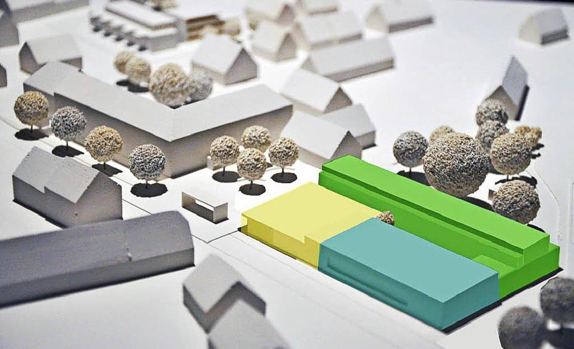Dank der Farben gut zu erkennen: die modulare Bauweise der neuen Ortsmitte.     Foto: Grünenwald+ Heyl