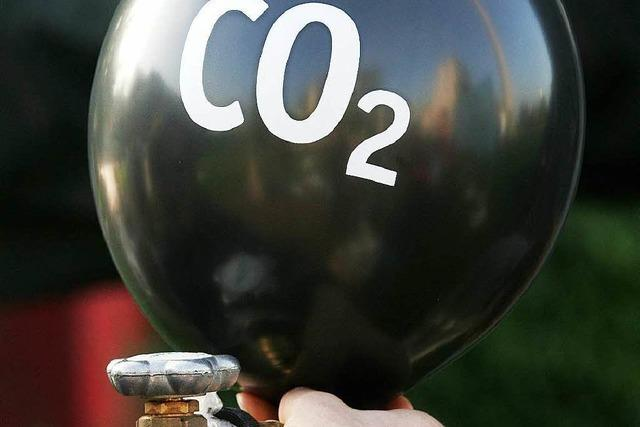 Klimasünder wollen zahlen – Ölmultis für höhere Steuern
