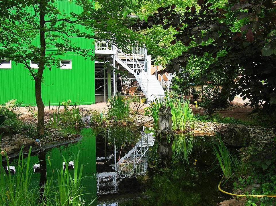 Und so sieht es vom Gartenbereich her ... und einen Lager- und Aufenthaltsraum.  | Foto: Sylvia-Karina  Jahn