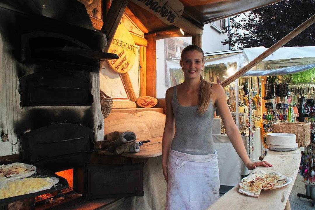 Flammkuchen war bei der Hitze tagsüber nicht der große Renner.  | Foto: Moritz Lehmann