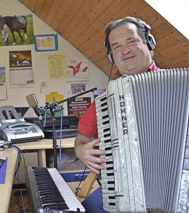 Gottfried Hummel in seinem Heim-Tonstudio   | Foto: Martin Wunderle
