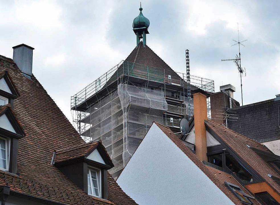 Das Schwabentor ist eine Sehenswürdigk...Stadt – und eine Dauerbaustelle.  | Foto: Michael Bamberger