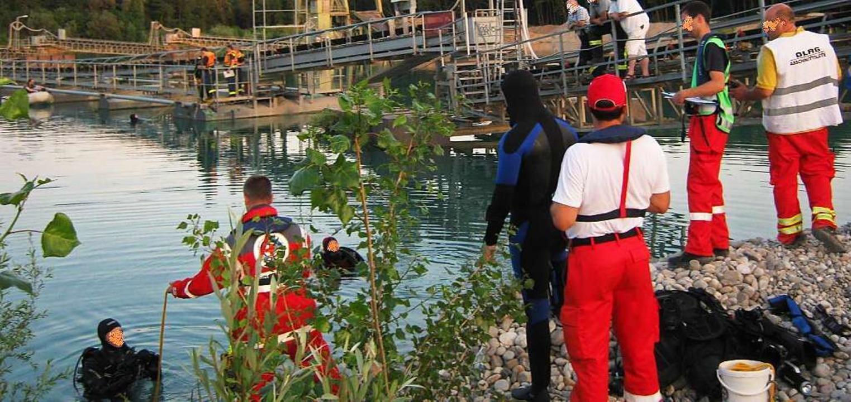 Rettungseinsatz am Baggersee in Kenzin...sstlosen Mann aus sieben Metern Tiefe.  | Foto: Feuerwehr Kenzingen