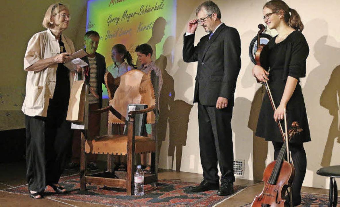 Die Mitwirkenden am Wilhelm-Busch-Aben...s und Kerstin Simon mit ihrer Violine.    Foto: Hans-Jürgen Hege