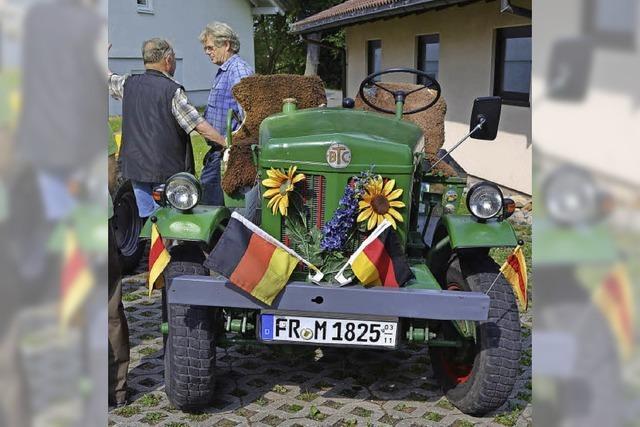 Staunen über alte Fahrzeuge