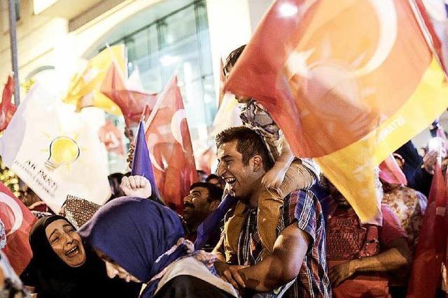 AKP nach Wahlverlusten vor schwieriger Regierungsbildung