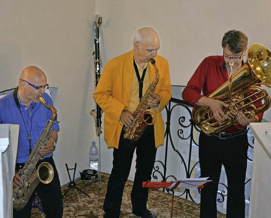 Das Sax'n Tuba Trio stellte im K...len kann. Das Publikum war begeistert.  | Foto: Patrick Burger