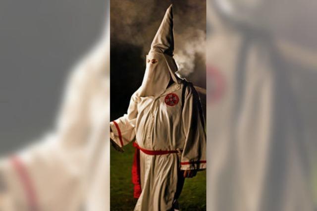 Was treibt Polizisten zum rassistischen Ku-Klux-Klan?