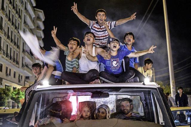 AKP strebt Koalition an