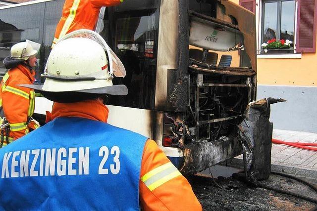 Bus gerät in Kenzingen in Brand