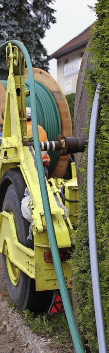 Es werden zwei Leerrohre für Glasfaser...ackboneplanung des Landkreises greift.  | Foto: Wilfried Dieckmann