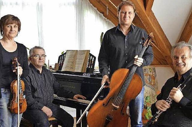 Drei Musiker des SWR-Sinfonieorchesters musizieren mit dem ungarischen Pianisten Károly Mocsári im Konzerthaus Freiburg.