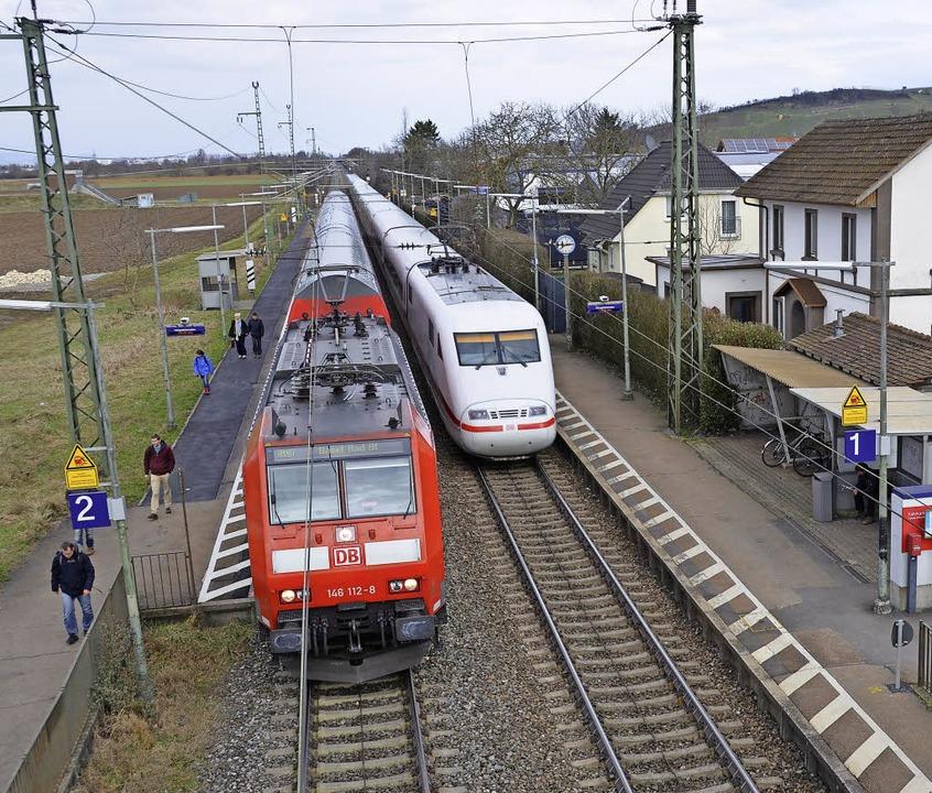 Auch der Bahnhof in Auggen wird sich d...den Ausbau der Rheintalbahn verändern.  | Foto: Sigrid Umiger