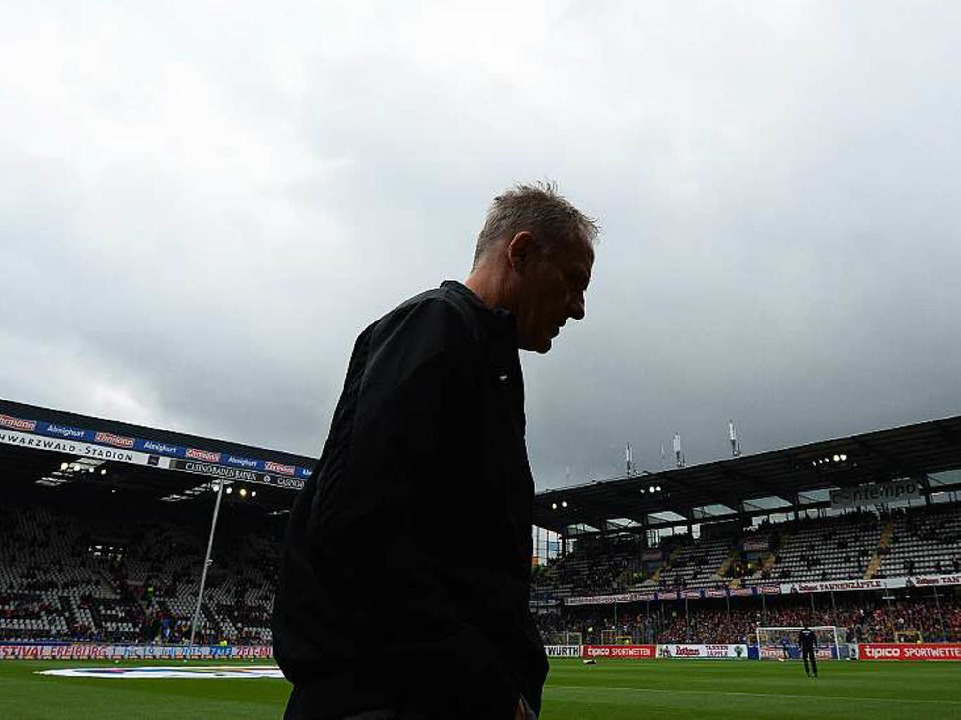 SC-Trainer Christian Streich steht vor...nsieren und ein neues Team aufzubauen.  | Foto: dpa