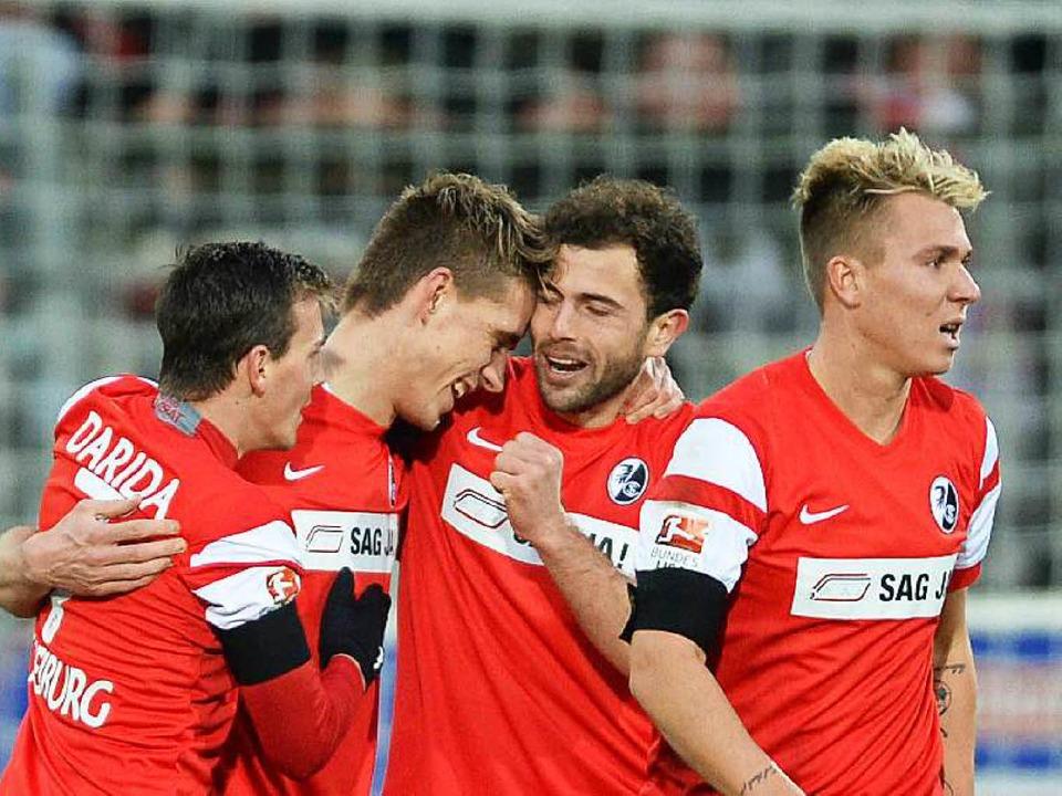 Die gemeinsamen Zeiten sind vorbei: Da...us im Januar beim Sieg gegen Frankfurt  | Foto: dpa