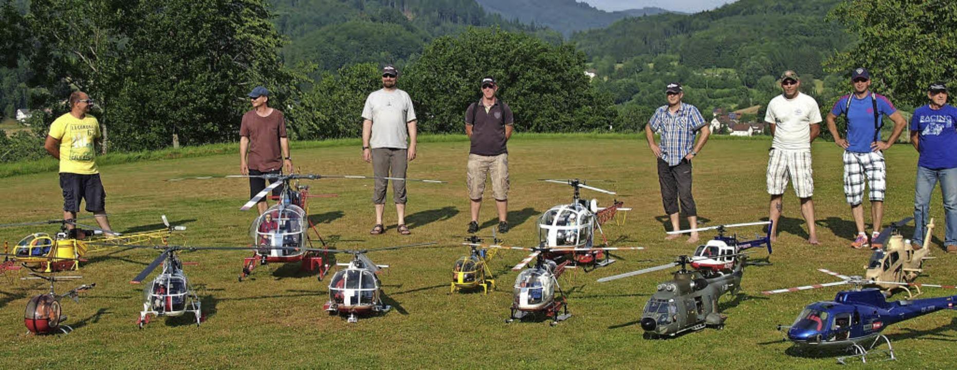 Eifern ihren großen Vorbildern detailg...Modellpiloten beim Flugtag in Wieslet   | Foto: gabriele poppen