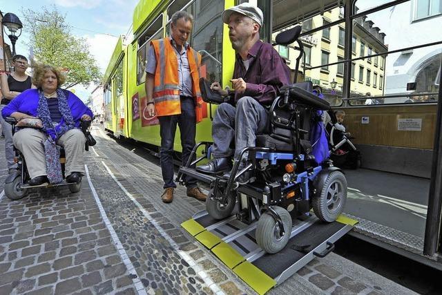 VAG testet neue Rampen für Rollstuhlfahrer