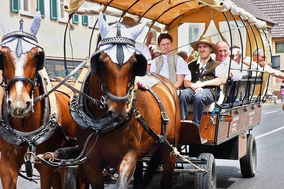 Impressionen vom Festumzug in Köndringen. (Foto: Aribert Rüssel)