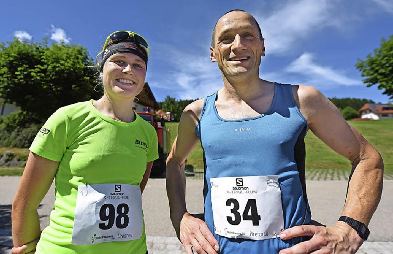 Frauensiegerin Stefanie Doll und Raine...se auf der Halbmarathon-Strecke gewann    Foto: Patrick Seeger