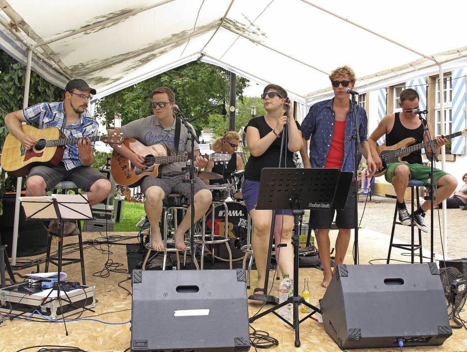 Pocket Rock begeisterte über 150 Zuhör...t einer Rock- Session uff Alemannisch.  | Foto: Jutta Schütz