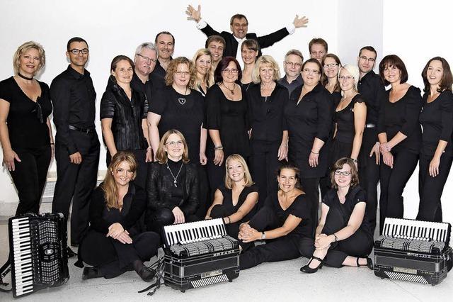 Das Nürnberger Akkordeon-Orchester in der Castellberghalle in Ballrechten-Dottingen