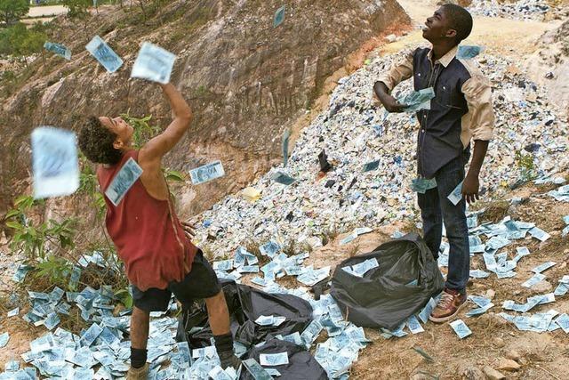 NEUSTART: Der Müllkippenfund
