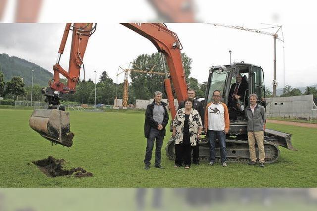 Baustart für neuen Kunstrasenplatz