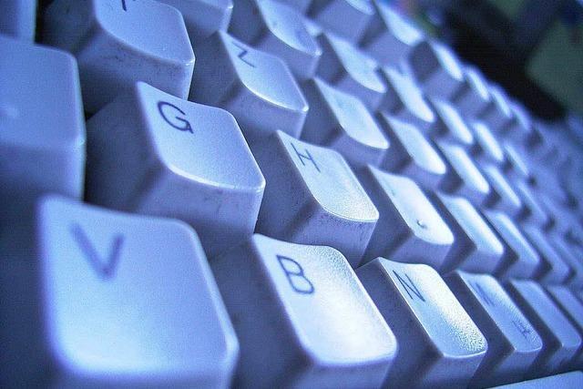 Internetportal für Nutzer-Beleidigungen verantwortlich