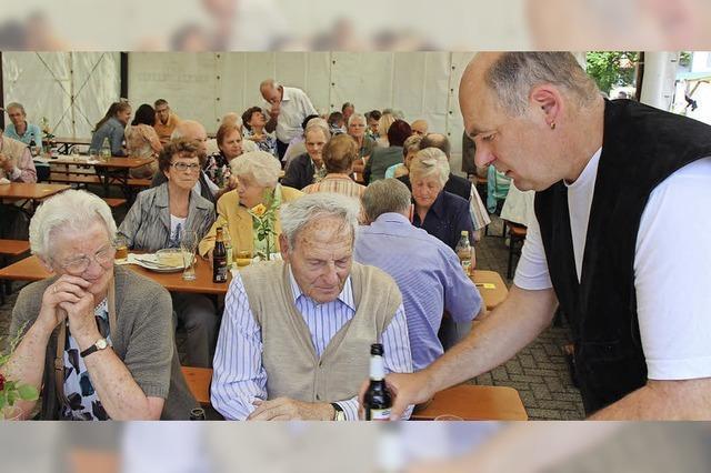 Seniorenorchester trotzt dem Gewitter