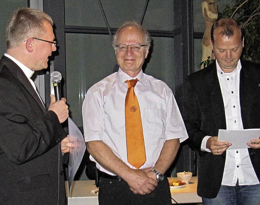 Geehrt wurde Andreas Marx von der kath...grund Erzbischof em. Robert Zollitsch.  | Foto: privat