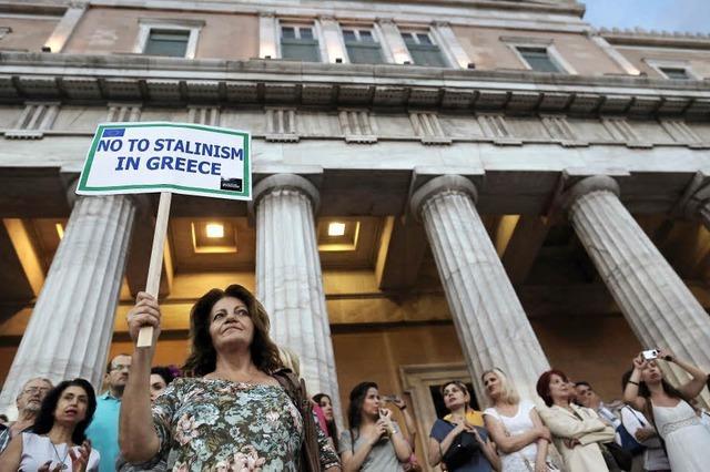 Griechen heben Milliarden ab