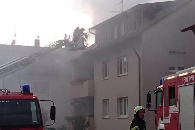 14 Personen bei Brand in Mehrfamilienhaus in Buchholz verletzt