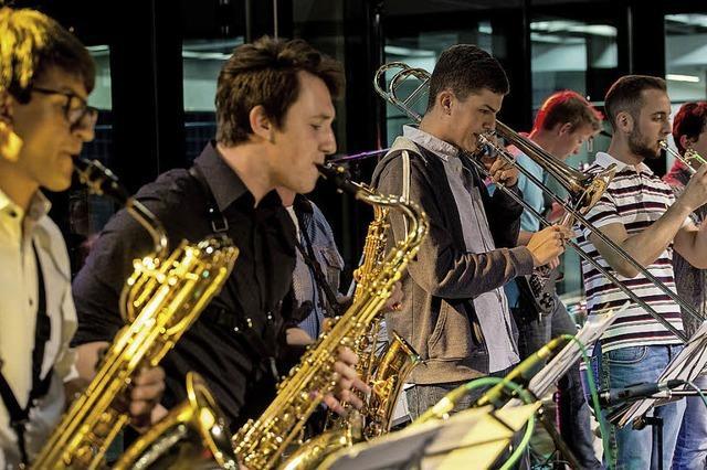 Vier Jugendbands rocken den Campus der Heimschule