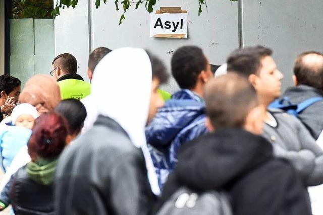 Die Landesregierung plant einen neuen Flüchtlingsgipfel