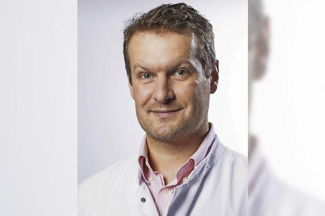 Drei Orthopäden sprechen über künstliche Gelenkersätze