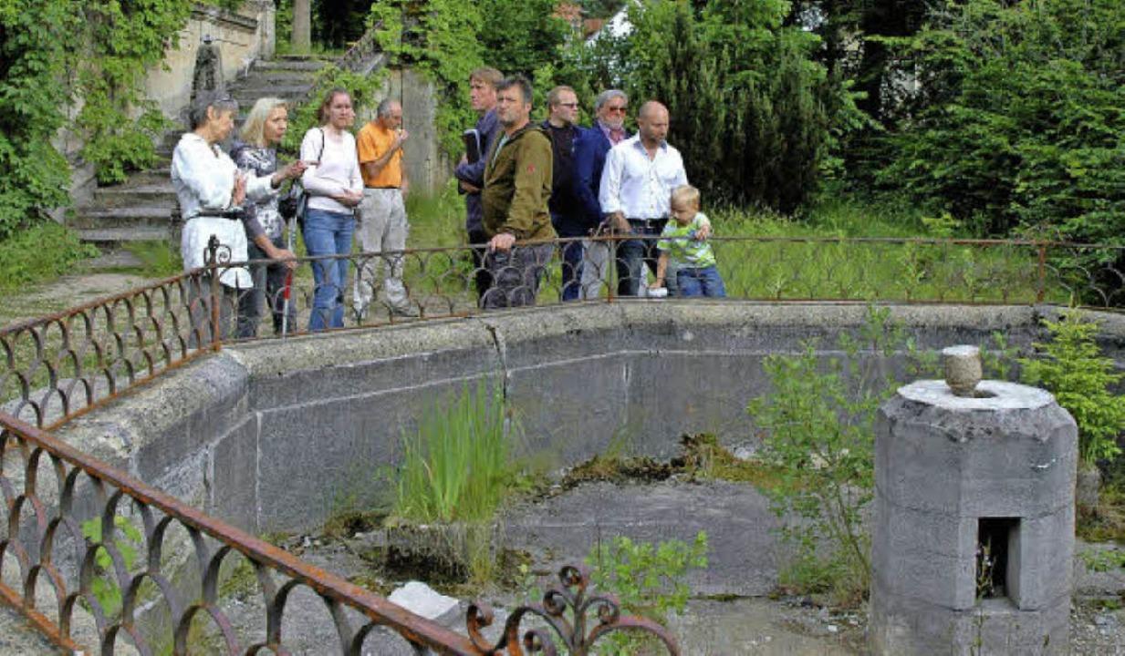 Der Park unterhalb der Klinik St. Blas...en werden freiwillige Helfer gesucht.   | Foto: Christiane Sahli