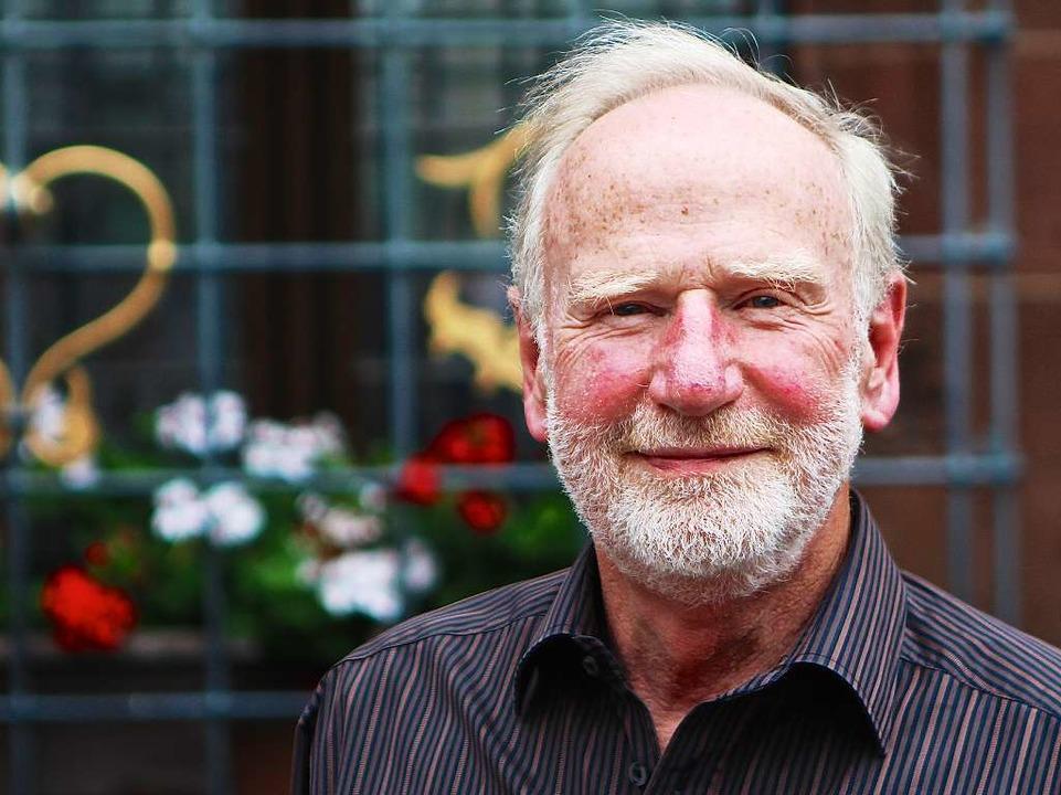 Klaus Riechel, 70, organisiert beim PTSV Jahn die Freiburger Laufnacht 2015  | Foto: Konstantin Goerlich