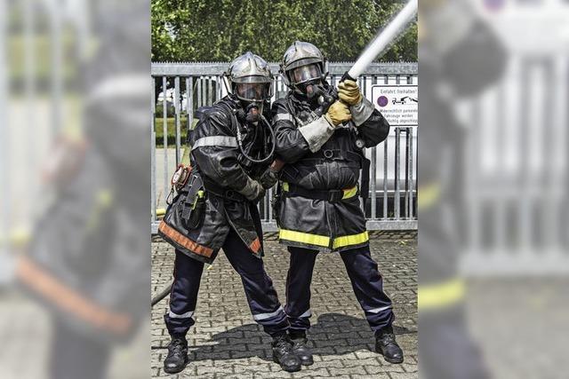 Sapeurs Pompiers zeigen, wie man im Elsass löscht