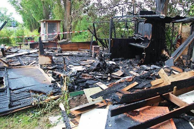 Feuer zerstört Gartenhütte in Bötzinger Kleingartenkolonie