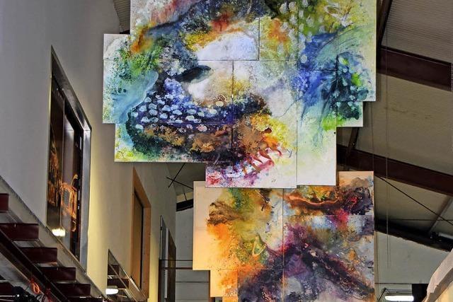 Kunst nimmt Platz der Arbeit ein