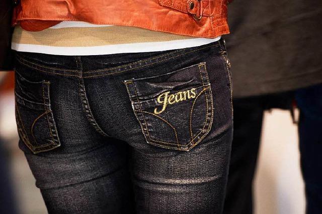Gefährliche Kombination: Enge Jeans und langes Hocken