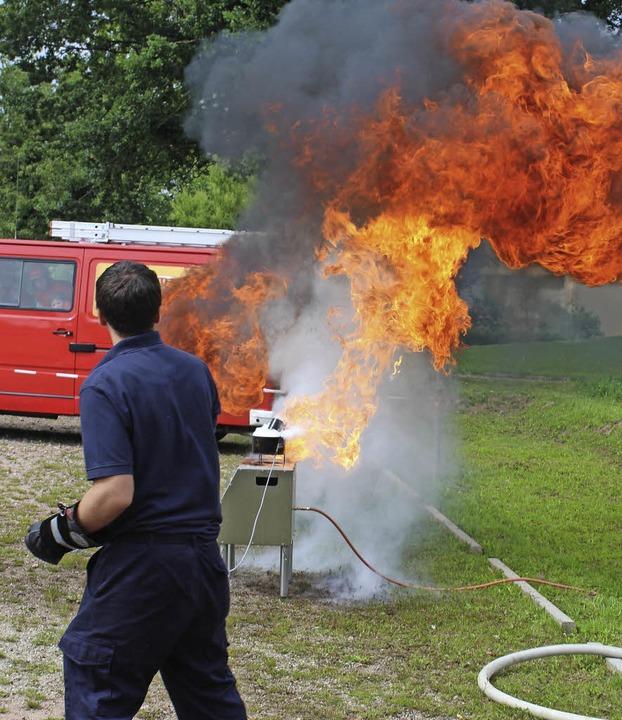 Die Marcher Feuerwehr stellte ihr Könn...ollen Schauvorführungen unter Beweis.   | Foto: Mario Schöneberg