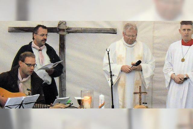 Taufe steht im Mittelpunkt