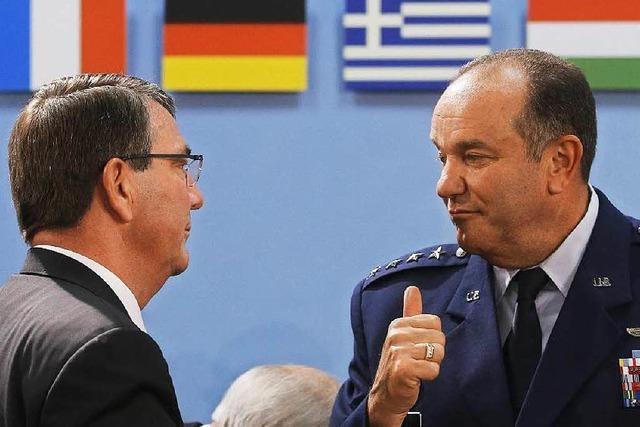 Russland-Krise: Nato stockt Truppen auf