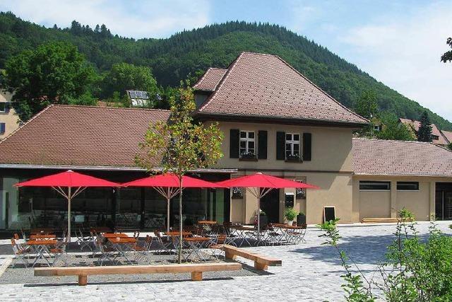 Gaststätte im renovierten Bahnhof Münstertal eröffnet