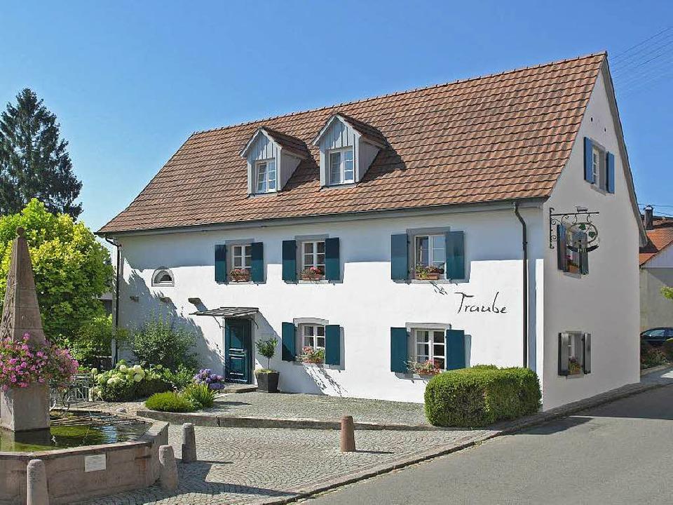 Ein archtektonisches und kulinarisches Kleinod: die Traube in Blansingen  | Foto: pr/traube